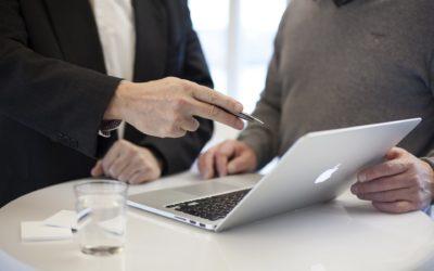 Razones por qué debe hacerte la renta un asesor